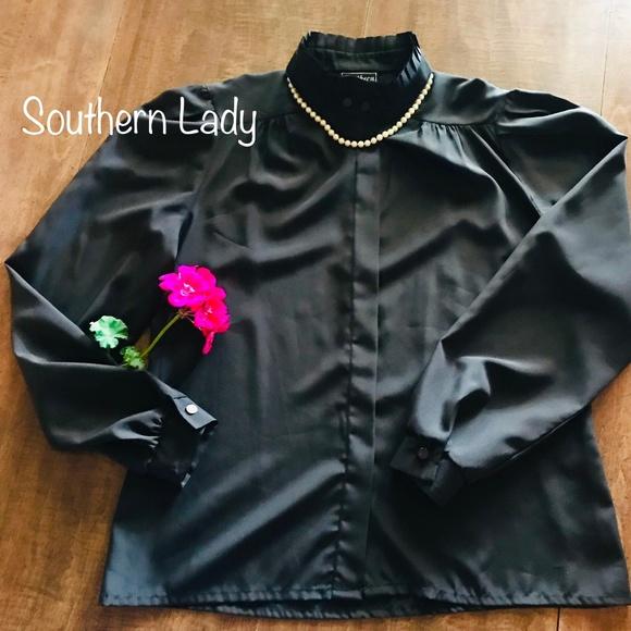 👛 Southern Lady Black Lighweight Button Shirt